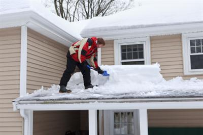 Roof shoveling in Spencer MA
