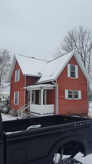 Before & After White Vinyl Siding in Brookfield, MA (1)