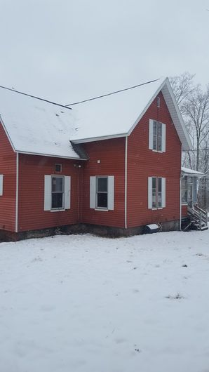 Before & After White Vinyl Siding in Brookfield, MA (2)